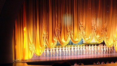 The Rockettes Close the Show