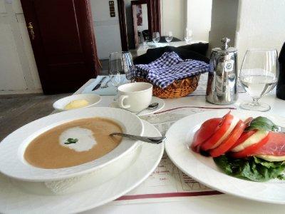 Vidney Island Lunch