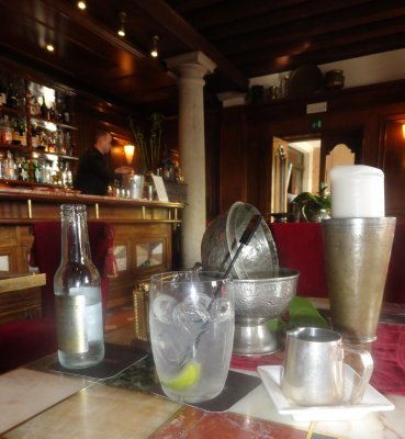 Vodka Tonic at the Metropole