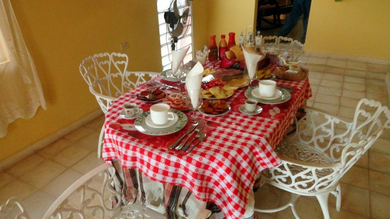 Breakfast Table en la Hostal de Conchita