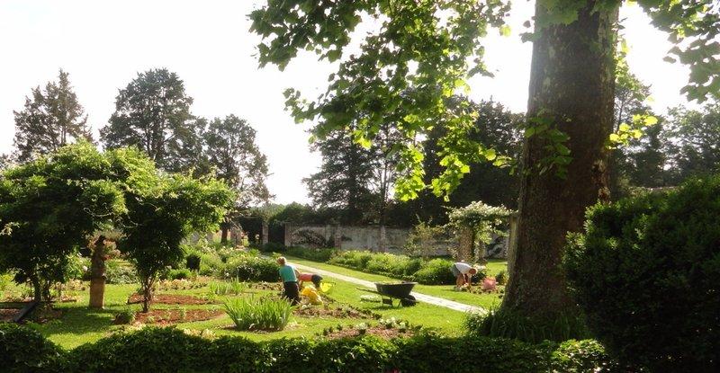 Volunteers Maintain the Gardens