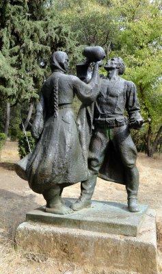statue_in_parku_nacionale.jpg
