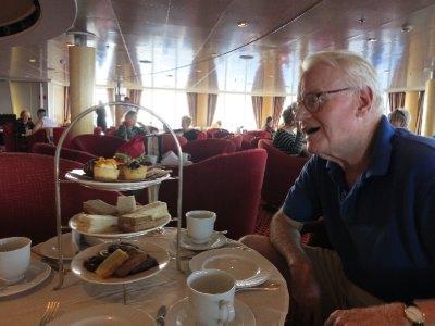 Bill_and_the_tea_tray.jpg