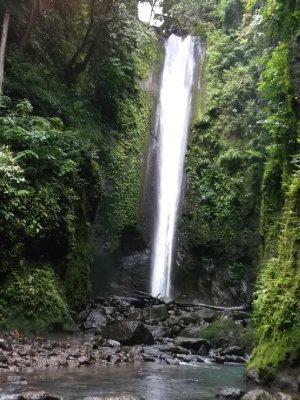 Amaaaaazing waterfall! Near Dumaguete.