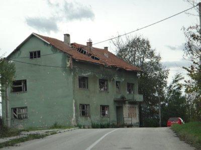 DSC01040_J..rural_house.jpg