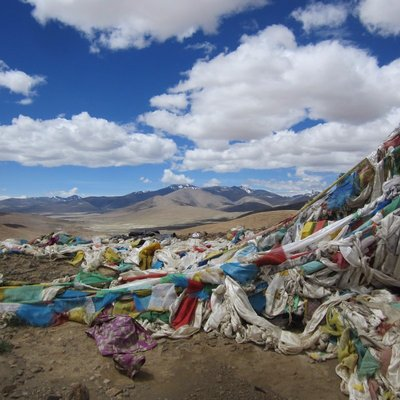 Prayer flags on pass