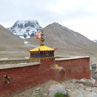Dri Ra Puk Monastery wall and Mt Kailash