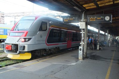 train at Zagreb station