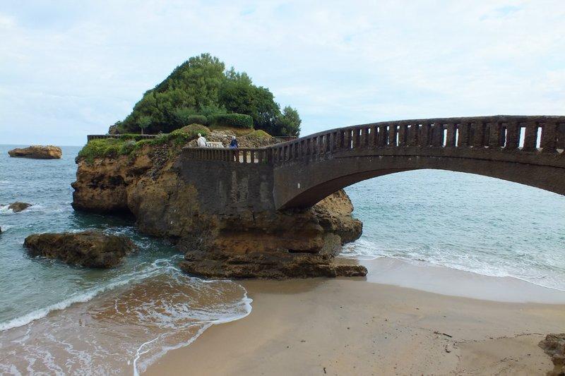 island accessible by bridge