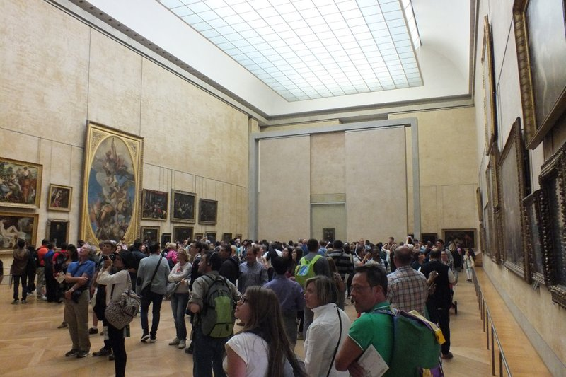 crowds at the Mona Lisa