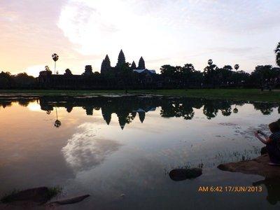 Angkor Wat at 6.42 am 170613, no sunrise