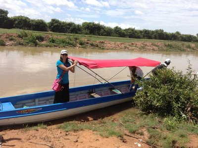 Boat ride on the canal to Lake Tonle Sap