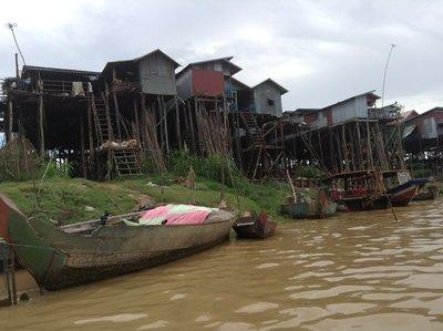 Fishermen's village along the canal to Lake Tonle Sap