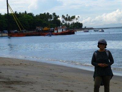 Senggigi beach. Lombok near hotel Puri Bunga and Hotel Sheraton (7)