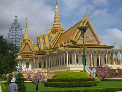 The_Royal_..Penh_150613.jpg