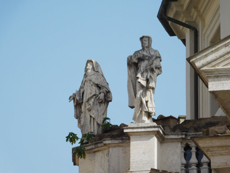 Sculptures on and Santa Maria in Montesanto - Piazza del Popola - Rome - July 2016