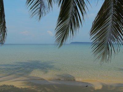 023_Lonely_Beach.jpg