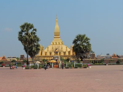 Sightseeing day in Vientiane - Pha That Luang