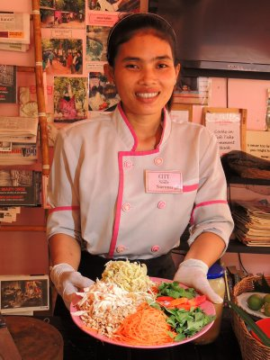 Saroun the chef, at cooks in tuk tuks cooking school