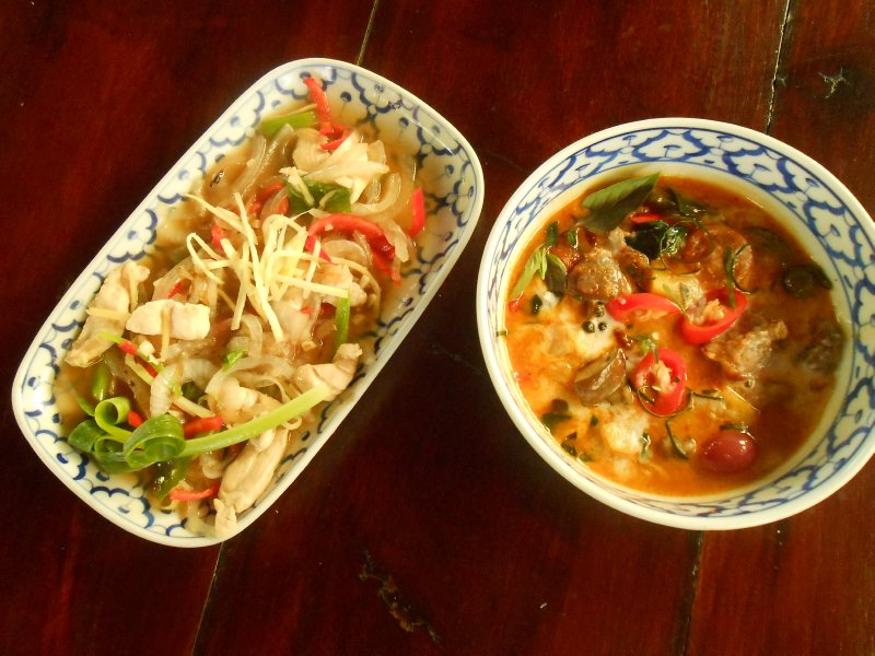 Chiang Mai Thai Cookery School - chicken with ginger & duck curry