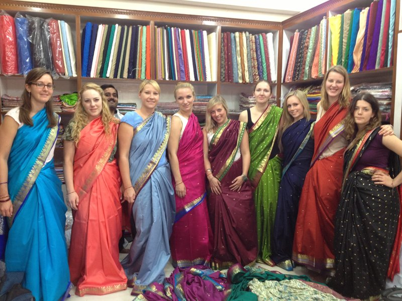 The girls in sarees!