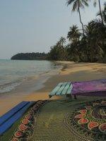 012_Lounging_on_the_beach.jpg