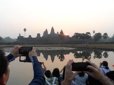 Angkor Wat at sunrise (people)