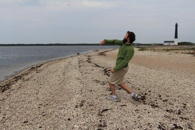 Rein throwing a rock @Sõrve Lighthouse