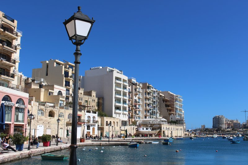 Waterfront on Spinola Bay