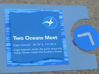 Two oceans meet at Cape Leeuwin Lighthouse
