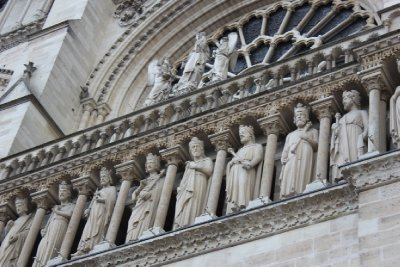 Notre Dame, detailed statues