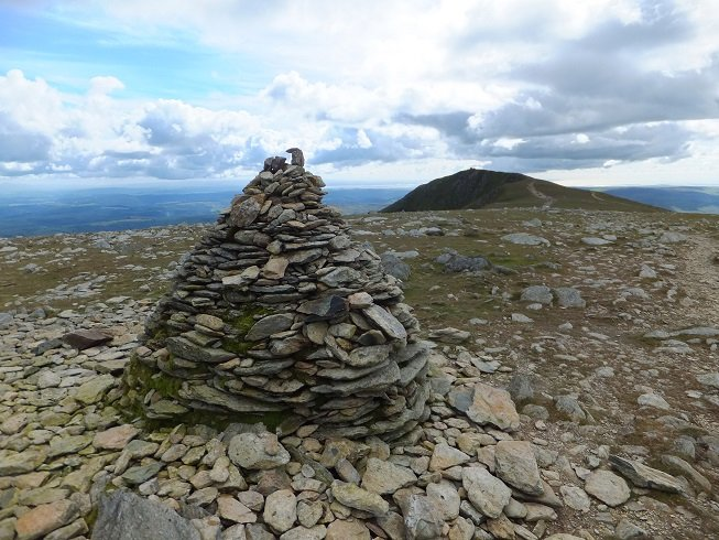 Cairn at the top of the Old Man