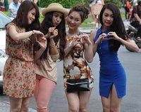 Vietnam_girls_photo_shoot.jpg