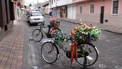 Biking Ecudor