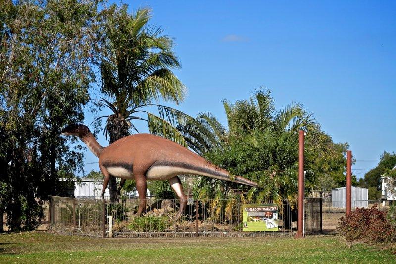 large_Muttaburrasaurus.jpg