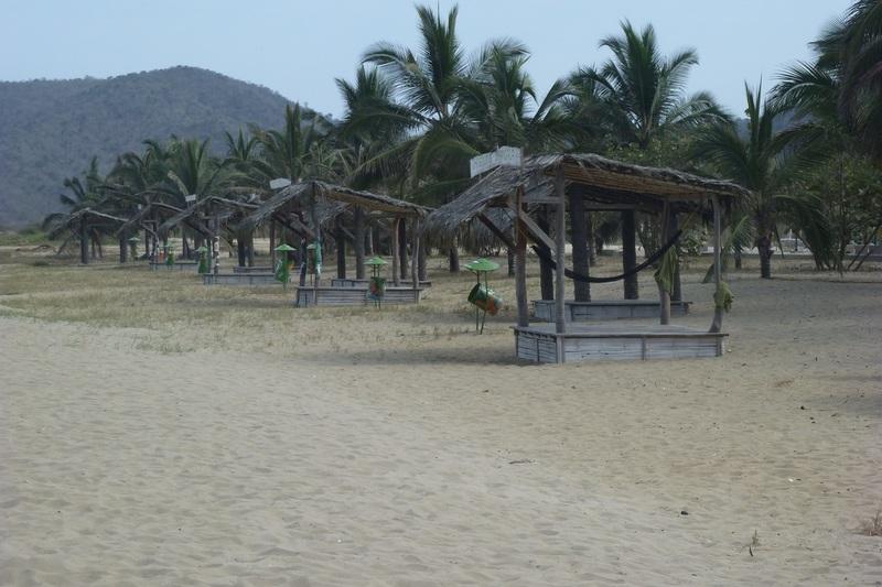Beach in front of Hosteria Mandala