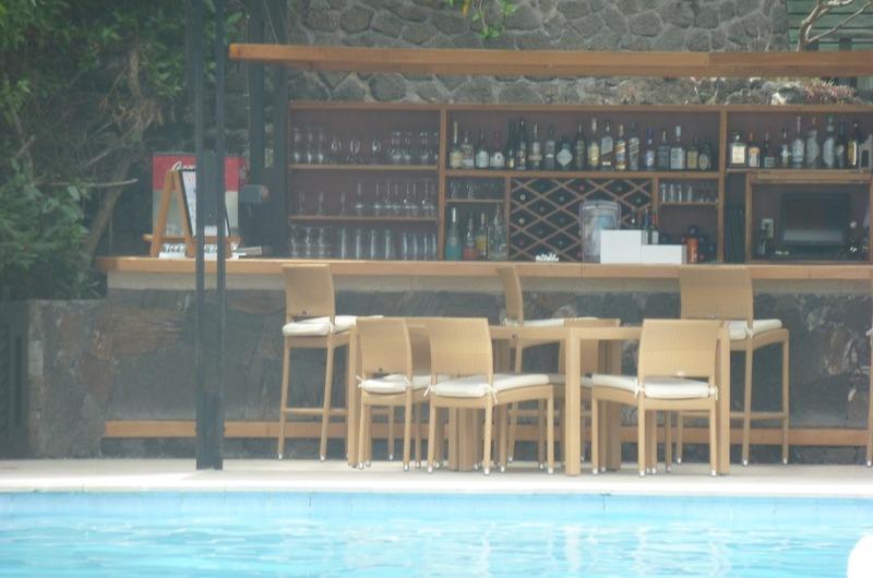 Hotel Bar at Finch Bay