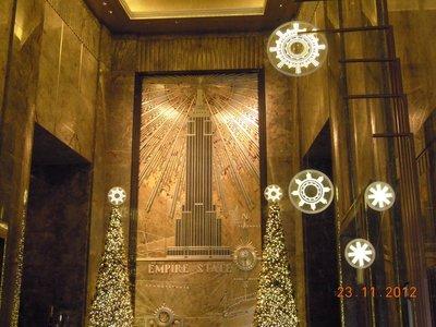 Weihnachtsdeko im Empire State Building