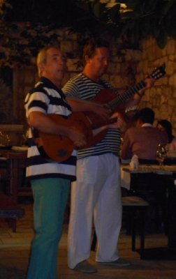 Lucullus_Guitarists.jpg