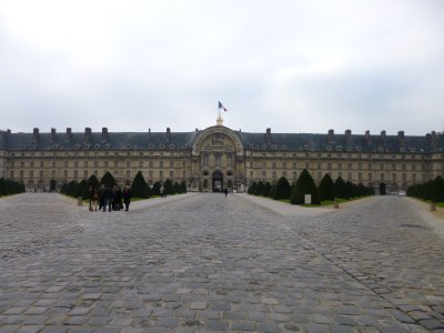 Paris: Approaching Invalides