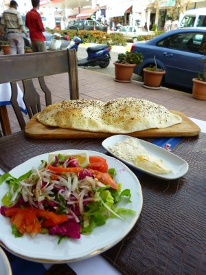 The pre-lunch salad and bread
