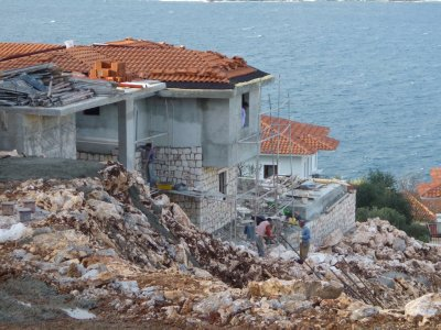 Kas Construction: Note the rock work