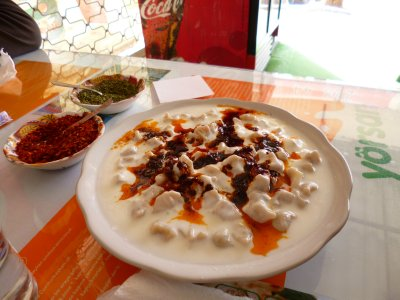 Manti: Turkish dumplings in warm yoghurt