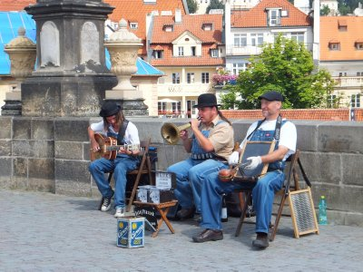 Musicians on Charles Bridge