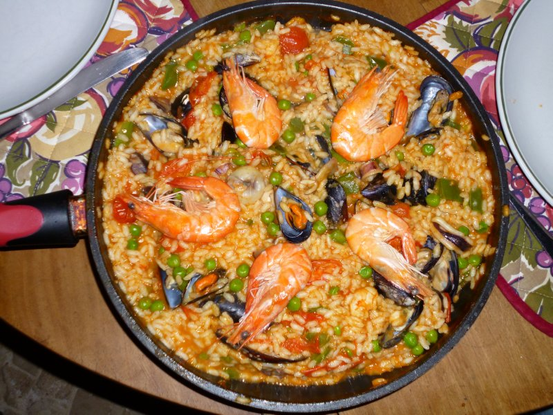 Luz: Paella Masterpiece by Hannah and Muriel