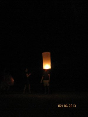 90_Lantern_lifting_off.jpg