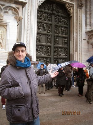 Sammy_at_Milano_Duomo_.jpg