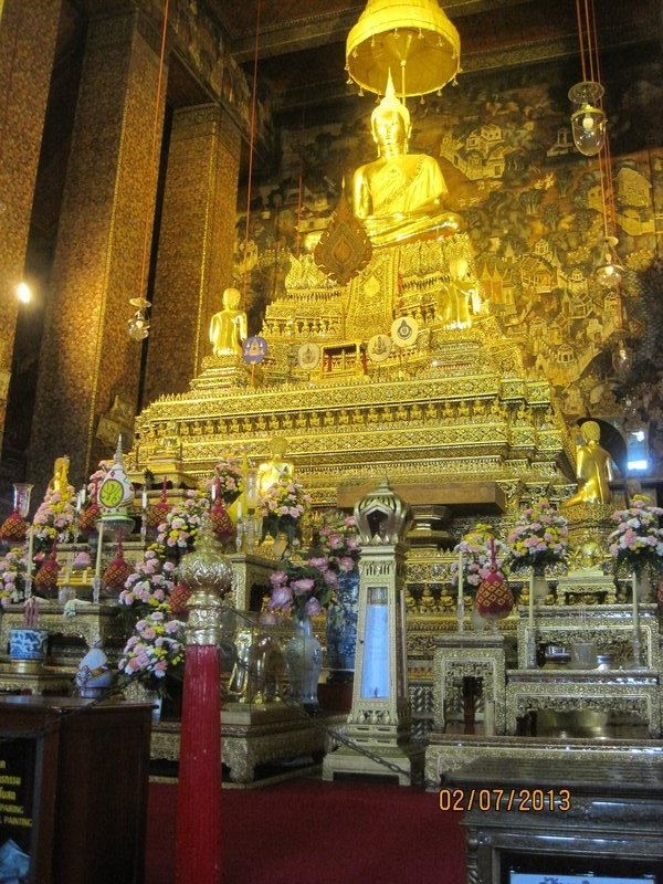 large_90_Temple_at_Wat_Pho.jpg