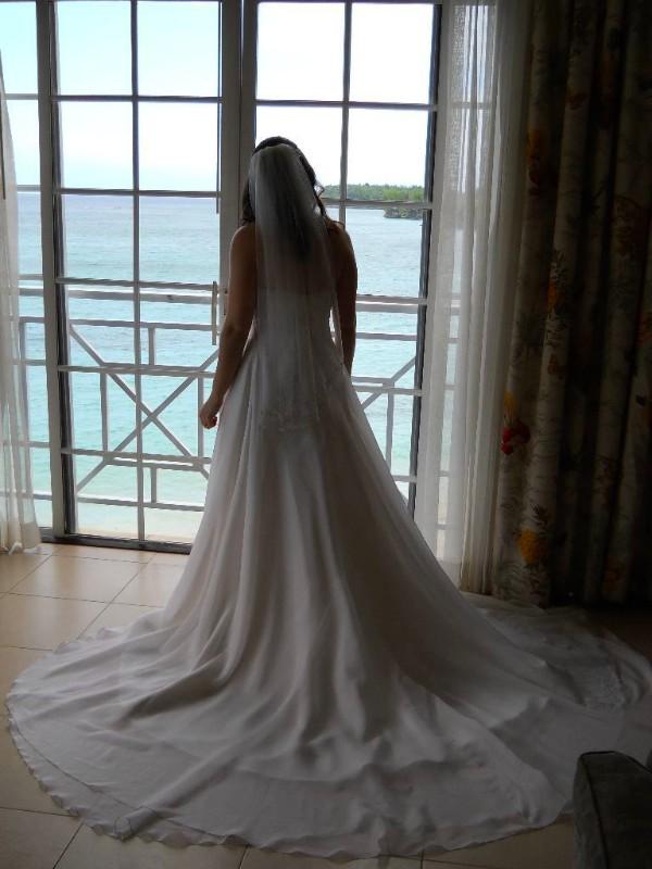 large_Allie_look..ut_in_dress.jpg