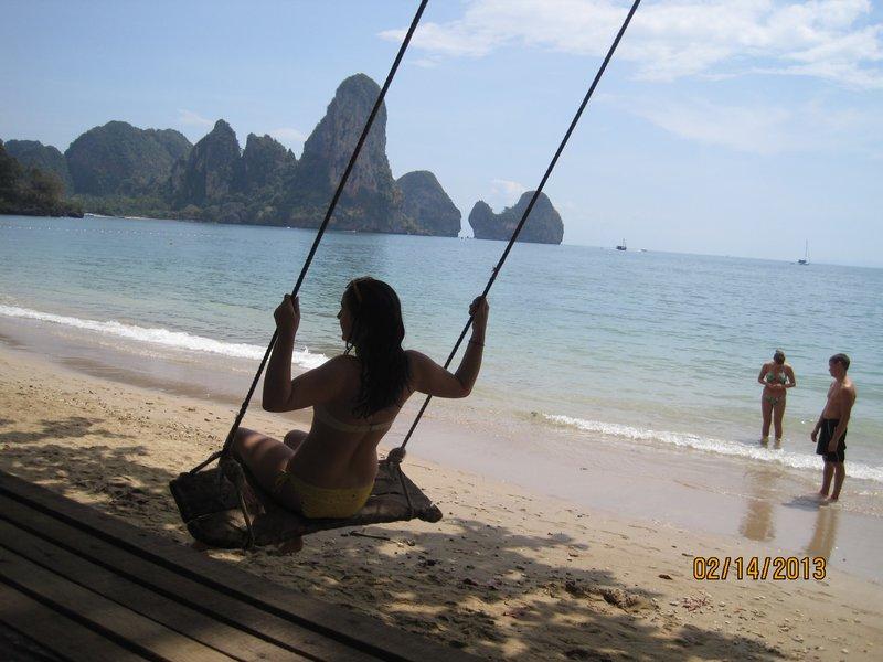 large_Bikini_swinging_2.jpg